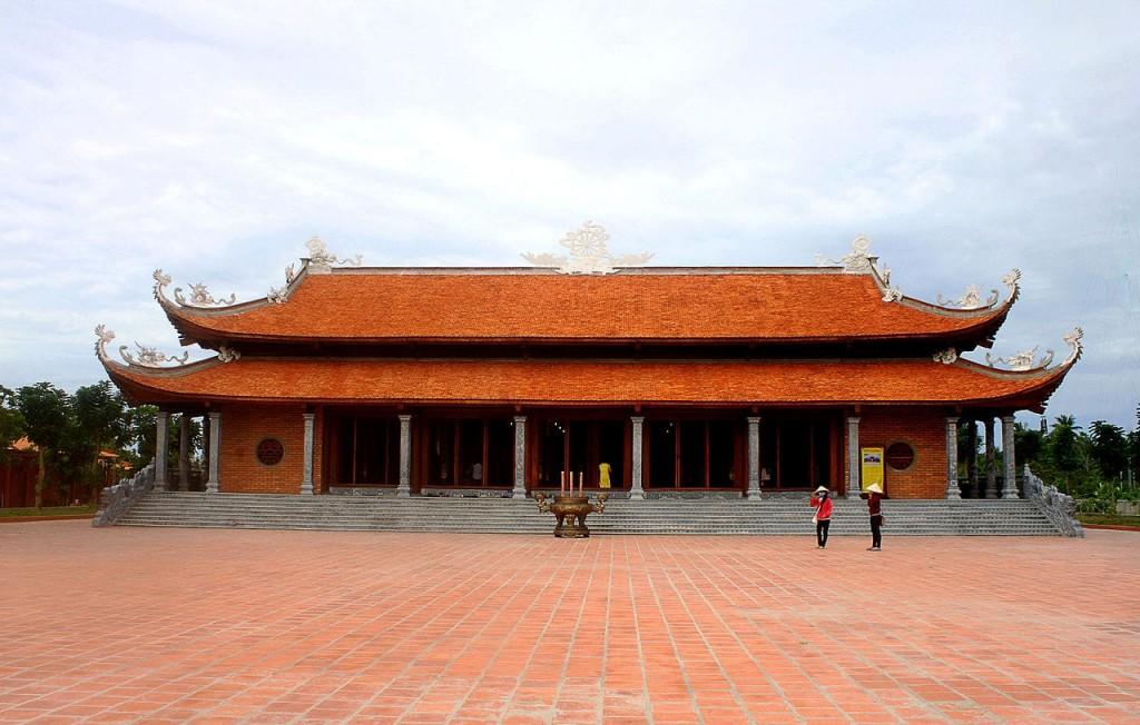 Chánh điện Thiền viện Trúc Lầm Phương Nam Cần Thơ
